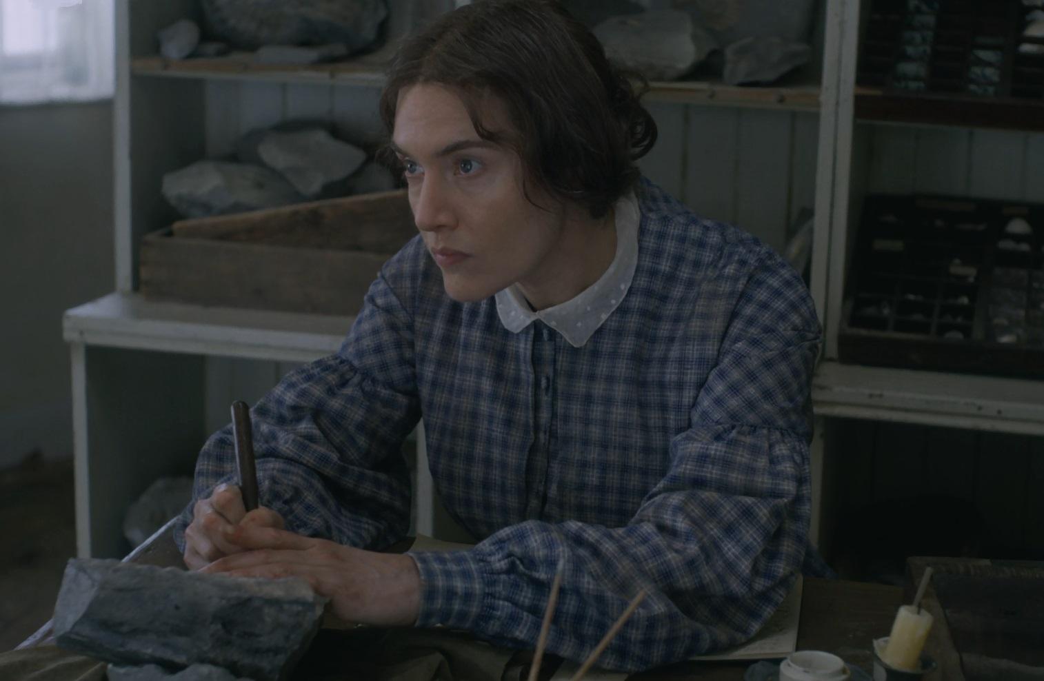 مری آنینگ فسیل شناس انگلیسی در فیلم آمونیت