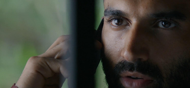 تماس طوفانیِ کاراکتر آدویت با آگاشه در فیلم هندی ملنگ