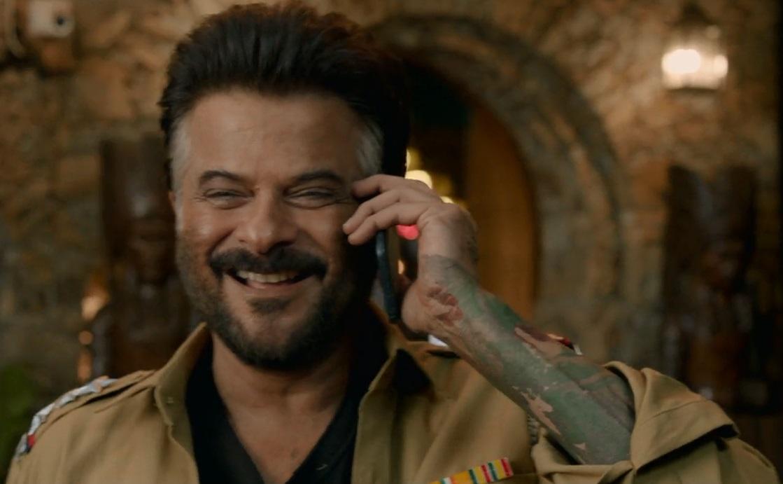 آگاشه و تماس آدویت باهاش در فیلم هندی ملنگ