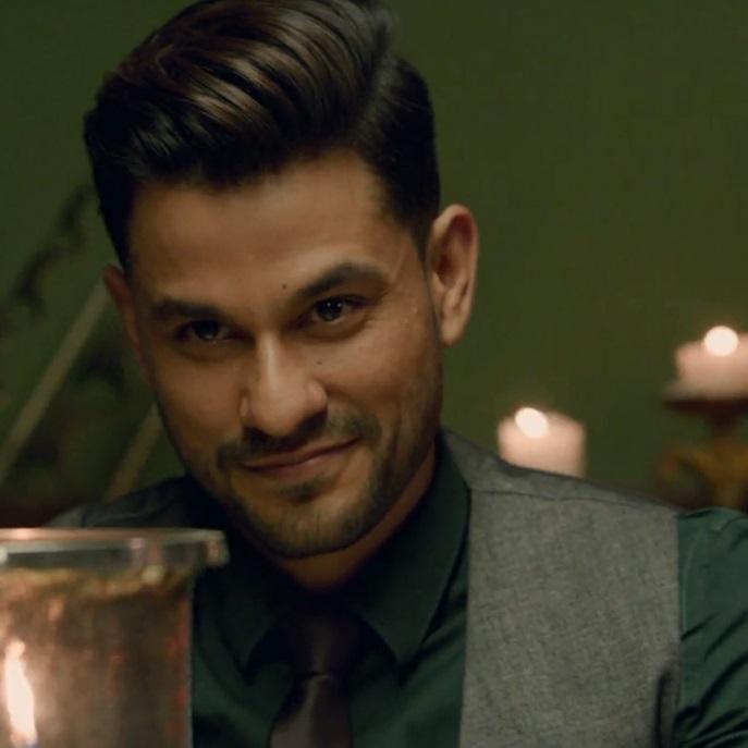 کونال خِمو در نقش مایکل در فیلم هندی ملنگ