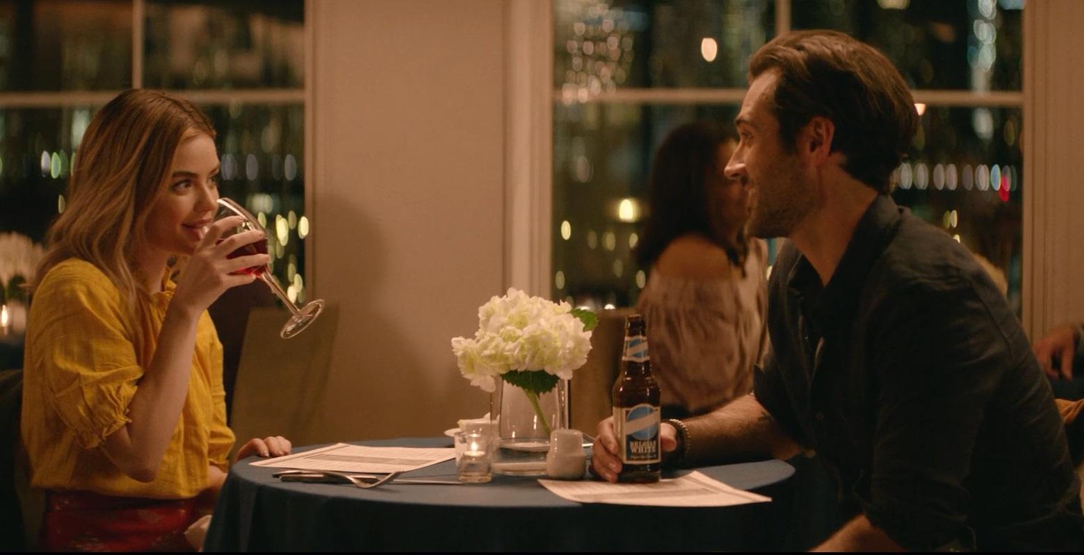 نقد و بررسی فیلم یه دخترِ بچه مثبت مثل تو (A Nice Girl Like You) سکانس دیگری از زوج اصلی در فیلم