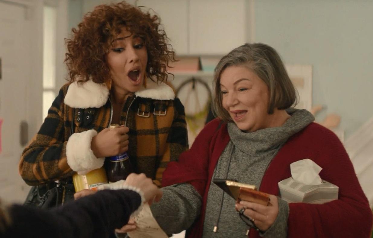 دو دوست شیطون لوسی در فیلم یه دخترِ بچه مثبت مثل تو (A Nice Girl Like You) در مقاله نقد فیلم