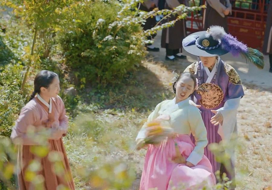 Shin Hye-sun و Kim Jung-hyun در نقد و بررسی سریال کره ای آقای ملکه (Mr. Queen)